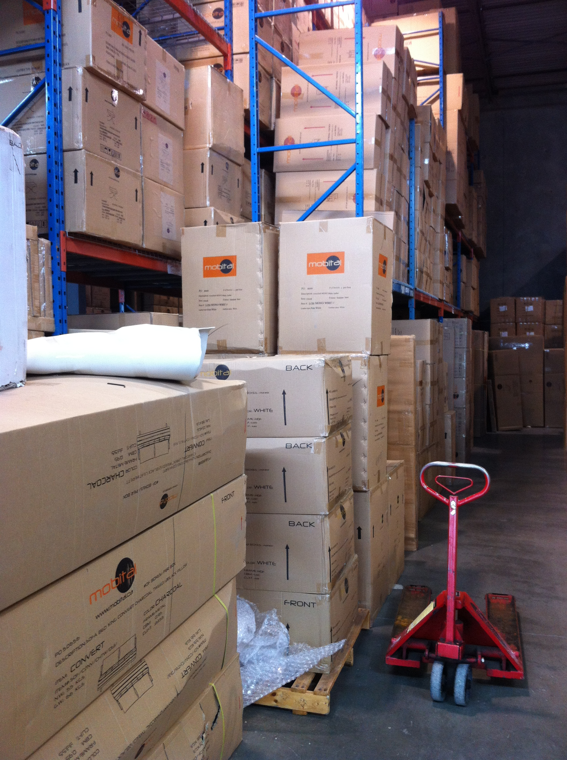 Man and van store pick up and delivery service sam 39 s for Moving items into place